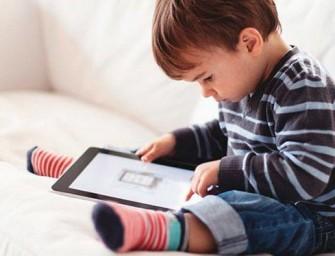 Para crecer sanos, los niños tienen que pasar menos tiempo sentados y jugar más